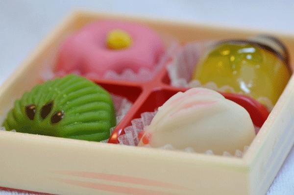 カラフル和菓子の写真
