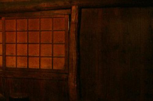 うす暗がりの屋敷